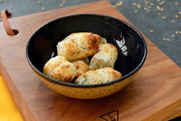 Bolinhas de tapioca com chia e linhaça