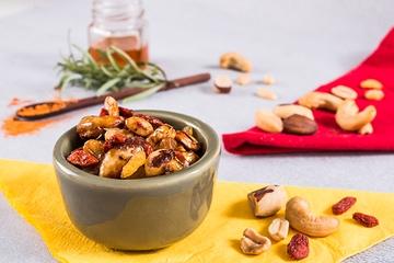 Mix de castanhas com alecrim e goji berry - Caramelizado + Castanha de caju + Castanha do Pará + Amendoim