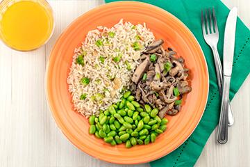 Edamame +  Arroz integral com amêndoas e brócolis + Mix de cogumelos