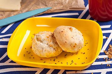 Pão de queijo com chia e linhaça