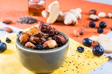 Mix de castanhas com gengibre - Caramelizado + Castanha do Pará + Amêndoa + Macadâmia