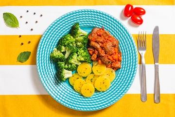 Picadinho de filé mignon + Mandioquinha com salsa + Brócolis no vapor