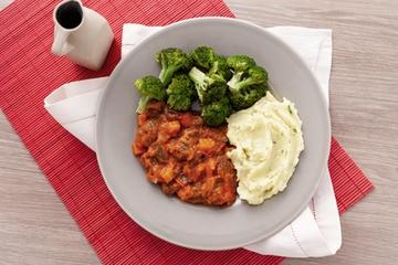 Picadinho de filé mignon + Purê de batata +  Brócolis no vapor